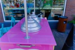 Triciclo rosado del helado foto de archivo libre de regalías
