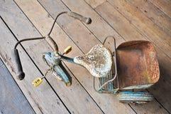 Triciclo viejo del juguete Imagen de archivo libre de regalías