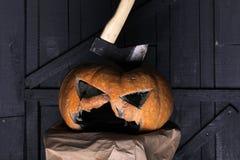 Trick oder Festlichkeit Glückliches Halloween Kommen Sie, wie Sie t aren traditionelles Halloween, das um Bonbons - Süßes sonst g stockfotografie