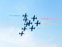 Tricolor strzała pokaz lotniczy Tirrenia, Pisa, Włochy, Wrzesień 11, 2 zdjęcie stock