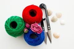 Tricolore delle matasse del filato Fotografia Stock