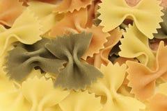 tricolored的farfalle意大利面食 库存图片