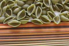 Tricolors makaron, włoski makaron, miarowy makaron, mini skorupa makaron, Obrazy Stock