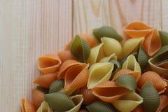 Tricolors makaron, włoski makaron, miarowy makaron, mini skorupa makaron, Obraz Royalty Free