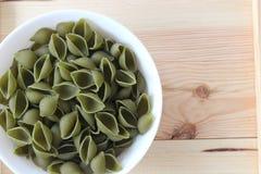 Tricolors pasta, italiensk pasta, vanlig pasta, kortkort beskjuter pasta, Royaltyfria Foton