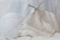 Tricotage dans la clé élevée Images libres de droits