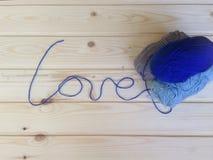Tricotage fait main de laine Photographie stock