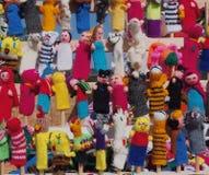 Tricotez à la main les marionnettes de doigt de Peru On Display image stock