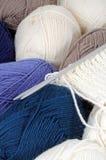Tricottare e lana Immagini Stock