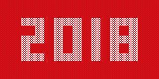 Tricottato 2018 su progettazione rossa del fondo per il giorno di Natale Fotografia Stock Libera da Diritti