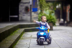 Tricycle de tour d'enfant Photo stock