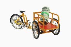 Tricycle jaune de transporteur, d'isolement sur le blanc 1 Photographie stock