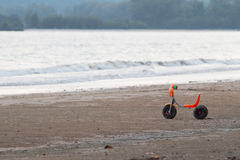 Tricycle sur la plage Photos libres de droits