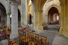 Triel sur Seine, Frankrike - april 12 2016: St Martin kyrka Royaltyfria Foton
