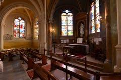 Triel sur Seine, Frankrike - april 12 2016: St Martin kyrka Arkivfoto