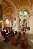 Triel sur Seine, Frankrike - april 12 2016: St Martin kyrka Royaltyfri Fotografi