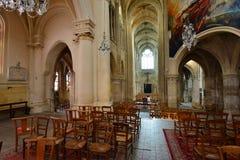 Triel sur Seine, Frankrike - april 12 2016: St Martin kyrka Royaltyfri Bild