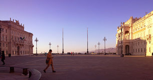Trieste, Itália - ideia sugestivo da unidade do quadrado de Itália no sol Foto de Stock Royalty Free