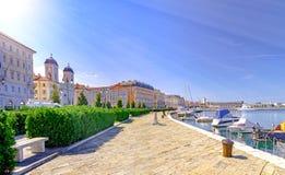 Trieste Italia dal mare adriatico immagini stock