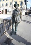 Trieste, Italia 2019-Statue de James Joyce imagenes de archivo
