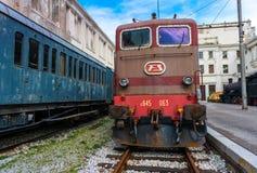 Trieste Italien: Elektrisk lokomotiv i järnvägmuseum Royaltyfria Foton