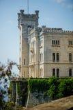 TRIESTE ITALIEN - 20 JULI, 2013: Miramare slott, Trieste, Italien Royaltyfri Foto