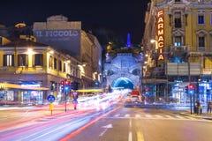 Trieste Italien: Nattsikt av staden av Trieste Royaltyfri Bild