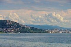 Trieste linia horyzontu i latarnia morska Zdjęcie Royalty Free