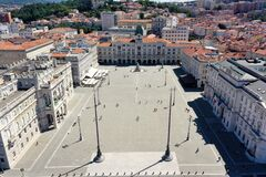 Free Trieste - View On Piazza Unità D Italia From Above Royalty Free Stock Image - 194239396