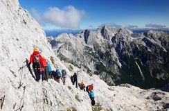 TRIGLAV, el 12 de agosto de 2017 - escaladores en el pico de Triglav, Eslovenia, Europa Foto de archivo libre de regalías