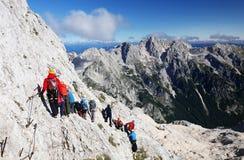 TRIGLAV, o 12 de agosto de 2017 - montanhistas no pico de Triglav, Eslovênia, Europa Foto de Stock Royalty Free