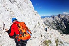 TRIGLAV, o 12 de agosto de 2017 - montanhistas no pico de Triglav, Eslovênia, Europa Fotos de Stock Royalty Free