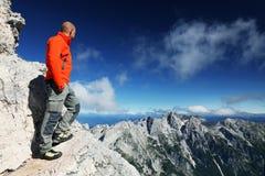 TRIGLAV, o 12 de agosto de 2017 - montanhistas no pico de Triglav, Eslovênia, Europa Fotografia de Stock