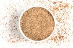Trigo de tierra en un cuenco Quibe de Trigo para Kibbeh Imagen de archivo libre de regalías