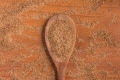 Trigo de tierra en una cuchara Quibe de Trigo para Kibbeh Fotografía de archivo