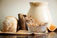 Trigo e leite Imagens de Stock