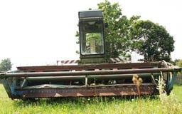 Trigo maduro da colheita da ceifeira de liga em uma exploração agrícola Fotografia de Stock Royalty Free