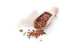 Trigo mourisco e farinha. Imagens de Stock