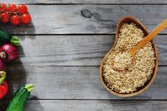 Trigo mourisco verde dos brotos da vista superior que cozinha saudável cru do alimento cru fotos de stock royalty free