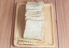 Trigo, pan en la bandeja Fotografía de archivo