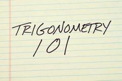 Trigonometry 101 σε ένα κίτρινο νομικό μαξιλάρι Στοκ Εικόνες