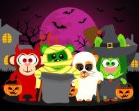 Trikowi lub funda zwierzęta, wektorowy Halloweenowy tło Zdjęcia Stock