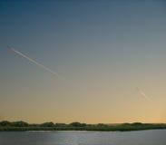 Trilha de dois aviões Foto de Stock