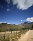 Montanhas no campo Imagem de Stock