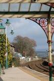 Trilha vermelha do sinal da estação das Granja-sobre-areias Foto de Stock Royalty Free