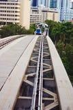 Trilhas elevadas urbanas do trem Imagens de Stock