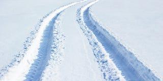 Trilhas na neve fresca Fotos de Stock Royalty Free