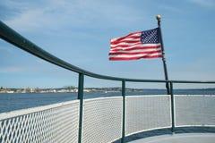 Trilho da bandeira americana e do barco Foto de Stock
