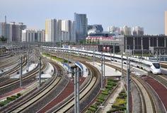Trilho de alta velocidade, estação de trem Imagens de Stock Royalty Free