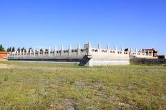 Trilhos de mármore brancos nos túmulos reais orientais de Qing Dyn foto de stock royalty free
